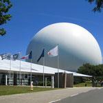 """<a href=""""http://www.cite-telecoms.com"""" target=""""_blank"""">Le site du musée des Télécommunications de Pleumeur-Bodou</a>"""