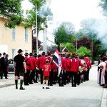 Begrüßung der Waldkirchner Musikkapelle durch die Böllerschützen