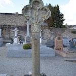 Croix trilobée de l'ancien cimetière