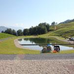 Der Badesee mit Kinderbecken im Rufalli Park, ca. 10min entfernt