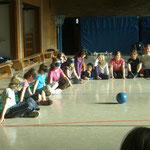 Goalball (Blindenball) in der Albert-Schweitzer-Schule Okriftel gemeinsam mit der ARQUE
