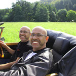 SEHEN ALLE IRGENDWIE GLEICH GUT AUS-HABEN ALLE SUPER FRAUEN-DEN GLEICHEN DIALEKT-FAHREN ALLE DIE GLEICHEN AUTOS-EINFACH SUPER DIE FREUNDE AUS & UM KLINGENBERG HERUM!---HIER DER BEWEIS!!!ALLES ROGER?????!!!!!!!!