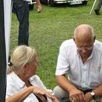 hier Sigrid & Günter: die Spender der Frikadellen & Spreegurken!  Vielen Dank im Namen aller!