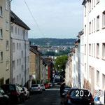 """""""Schlucht"""" Albertstr. (auf ca. 500m Distanz bis zur Wupper etwa 80m Höhendifferenz!)"""
