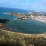 Die Bucht von Sao Martinho do Porto, ein Juwel von Portugal am Atlantik