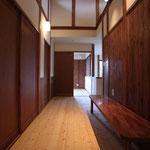 2階廊下(ファミリ-コ-ナ-を兼ねる。)