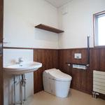1階 身障者対応トイレ