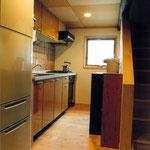 最小限のキッチン