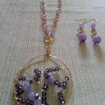 $60 dólares collar y aretes con dije tejido en hilos de gold filles con piedras y cristales.