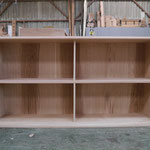 Assemblage des meubles de bibliothèque