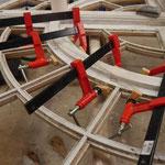 Recollage des pièces de bois