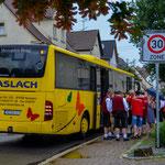 Mit einer Stunde Verspätung kommen auch unsere Freunde aus Tiefenbach bei illertissen an