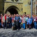 Gruppenfoto vor dem Eingang der Burg Hohenzollern