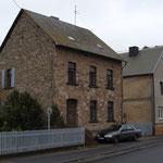 Haus in Wirges, errichtet aus dem Material des Steinbruches, Foto: E. Klein