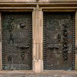 Tür mit Kunst von Bernhard Kleinhans