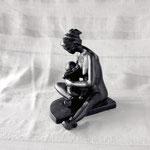 Maternité méconnue, bronze, 18 cm, Québec.     photo : Luc Stokart