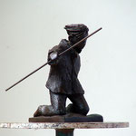 Harry à genoux, bronze, 12 cm, Belgique.     photo : Luc Stokart