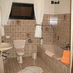 Bad mit DU + Wanne, WC;