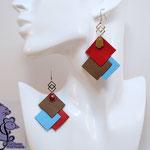 B.O. FORMIDABLE modèle 6 Cuirs rouge/sépia/bleu azur, breloque inox carrés entrelacés et diamant taupe ou rouge
