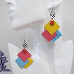 B.O. FORMIDABLE modèle 6 Cuirs jaune/rose/bleu azur, breloque inox carrés entrelacés et diamant rose saumon