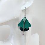 B.O. FORMIDABLE modèle n°5 Cuirs vert prasin et vert émeraude, breloque diamant vert d'eau