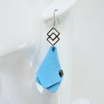 BO FORMIDABLE modèle n°4 cuir bleu azur, breloque inox carrés entrelacés et carré diamant laiton noir