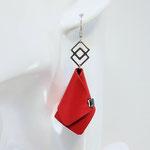 VENDUES ! BO FORMIDABLE modèle n°4 cuir rouge, breloque inox carrés entrelacés et carré diamant laiton noir
