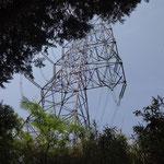 鉄塔が見えてきました。