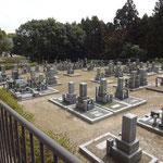 きれいに整備された野添墓地