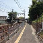 穴太駅を出発