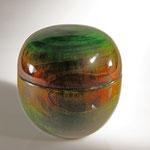 """Dose """"La nature 1"""" - Erle, (Alnus) / h = 13,5 cm / Ǿ = 13 cm / mehrere Spiritus-Beizen - mehrere Schichten Acryl-Lack / Preis: 250,00 €"""