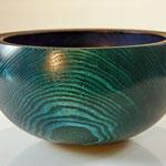 "Schale ""Undine"" / Esche / Maße: h = 8 cm / Ǿ = 14 cm / Oberfläche: - Spiritusbeizen (royal blue, blue, yellow) - Acryllack (Spray) / Preis: 280,00 €"