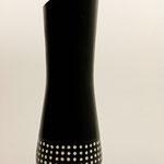 """Vase """"Domino"""" , Thuja , h: 34 cm, unten Ǿ 11 cm, oben Ǿ 9,5 cm , schwarz gebeizt, Gesso und Finish mit schwarzem Sprühlack / Preis: 370,00 €"""