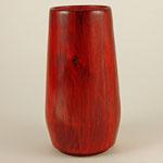 Vase: Birke, 22 x 12 cm, rot gebeizt, Versiegelung mit Klarlack / Preis: 200.00 €