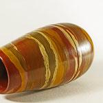 "Teilbare Vase ""Mémoires de Provence"" – Birke / h = 23 cm / Vasenöffnung - Ǿ = 7,5 cm ""Bauch"" - Ǿ = 13 cm / Wandstärke = 5 mm Proportionen nach dem ""Goldenen Schnitt"" / Oberfläche: Eitempera mit diversen franz. Ockerpigmenten"