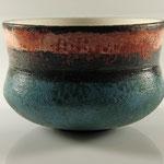 "Schale ""KM Keramik - Copy"" / Holz: Eiche  / h = 9 cm / Ǿ = 13 cm / Acrylfarbe und Acryllack klar / Preis: 220,00 €"