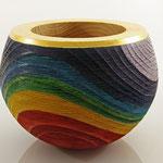 "Schale ""Color of life"" / Zeder / gebürstet / h = 18 cm,  Ǿ = 21 cm / Spiritusbeize, Blattgold 24 Karat, Acryllack / Preis: 420,00 €"