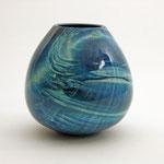 """Vase """"Ocean"""" aus Ahorn; h =16 cm / Ǿ = 14 cm  Wandstärke 5 mm, blau gebeizt, Schellack /unverkäuflich"""