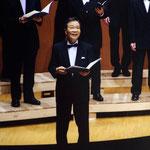 2013年7月27日 「燕友合唱団演奏会」にて ソロパートを歌う父 ねぇ、お父さん、やはり私の音楽の人生は、あなたと母から受継いだものなのですね。