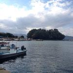 祖母の家からすぐ近く、大村の海と寺島  子供の頃は、夏休みによく海水浴をしました。