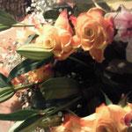 お客様からクリスマスプレゼントにお花をいただきました!