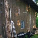 Bewohnter Fledermauskasten am Hackschnitzellager im Wiler Wald