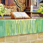 grünes Altarparament (Foto Kurt Wartenberg)