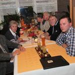 """Gruppenmitglieder """"West"""", von links: Zfr. Helmut Amenda, Frau Amenda, Frau Bruland, Zfr. Bruland, Zfr. Reckers, Geschäftsführer Coßmann, Foto: Horvath"""