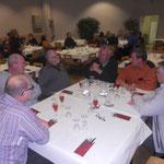 Das gemeinsame Abendessen der Aussteller und Preisrichter nach dem Einsetzen