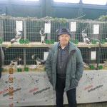 """Zfr. Käser stellte mit seinen Großen 9 mal den Clubsieger, mit seinen 83 Jahren war er in Calau alleine mit der Bahn als Besucher aus Bayern angereist. """"Engländer können einem einfach nicht loslassen"""". Foto:Nawrotzky"""