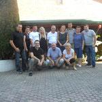 Familie Holbak mit Helfern