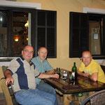 Zuchtfreunde im Gespräch, v.li. Stanke, Fink, Meier, Foto: Stanke