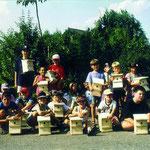 Wohnungsbau für Meisen und Fliegenschnäpper im Sommer 1995.