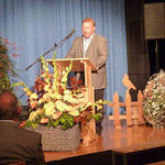 Sprecher des NABU Kreisverbandes Heilbronn Adolf Monninger würdigte die Arbeit der Salzstädter.